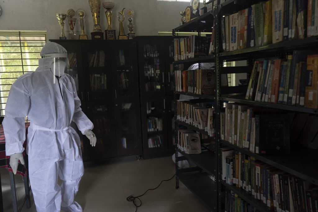 Cleaning in PPE kit to avoid virus infection