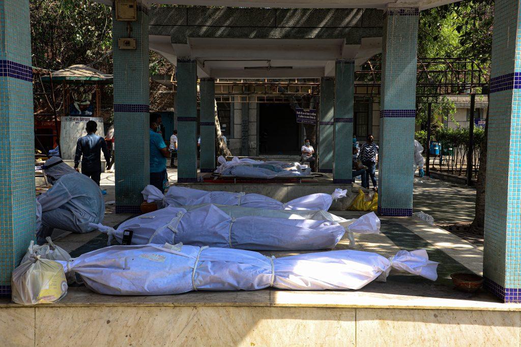 100 bodies are cremated everyday in Delhi