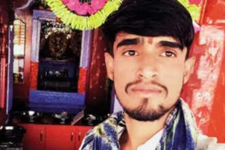 اونچی ذات کے ہندووں سے پریشان ، دلت طالب علم نے خودکشی کرلی